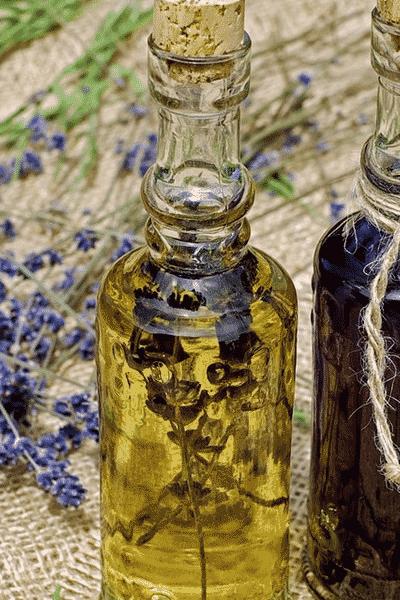 8 Essential Oils for Brain Health