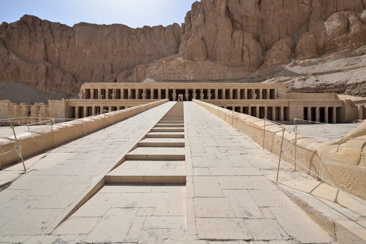 Djeser-Djeseru.Hatshepsut's_temple_(4)