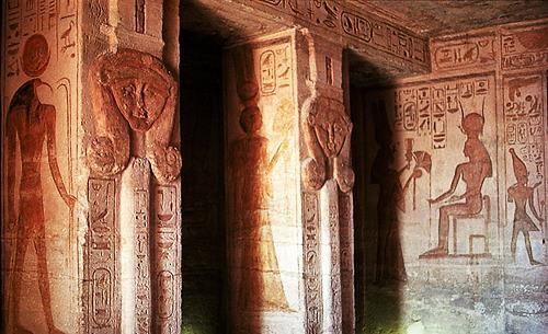 temple abu simbel pic7 - inside Temple of Nefertari