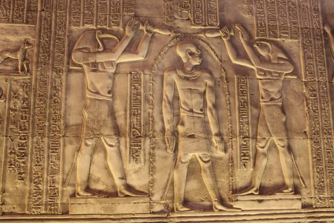 Role of the Temple in Egyptian Cities - pic2 - thot and horus