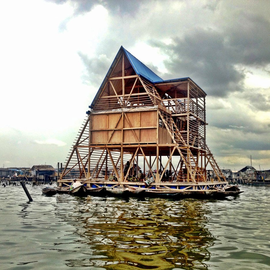 Makoko floating system closeup