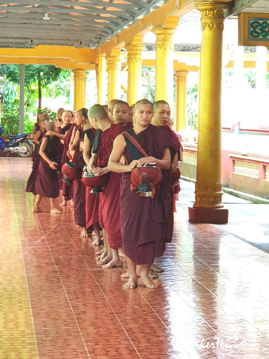Myanmar : A peek into a daily life of a monk in Bago Monk School - Kya Kha Wain Kyaung Monastery