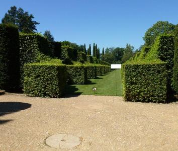 Manoir d'Eyrignac copyright Bridget Rosewell for thinkingardens