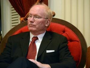 senator mullin