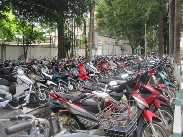 Scooters' parkplace in Saigon