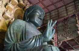Daibutsuden, bronze Buddha - Nara, Japan