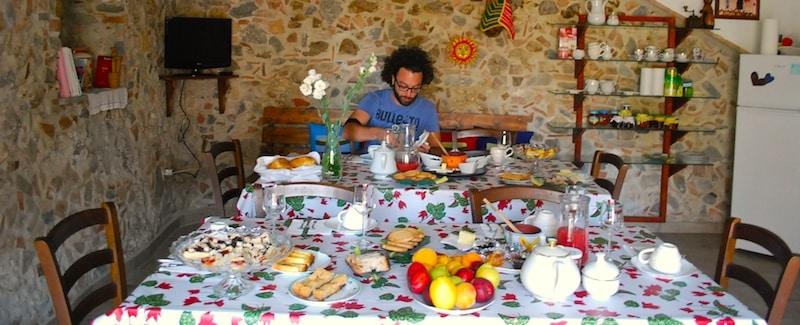 Breakfast at B&B La Magara, Civita (CS)