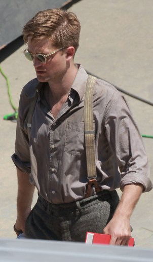 Robert Pattinson arrives for the final day of filming 'Water for Elephants'