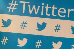 Twitter-Facebook-hashtags