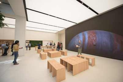 Apple Store in Dubai's Mall of the Emirates16