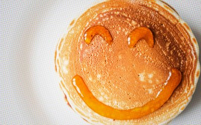 """Denny's Drafts College Athletes to """"Serve Pancakes"""""""