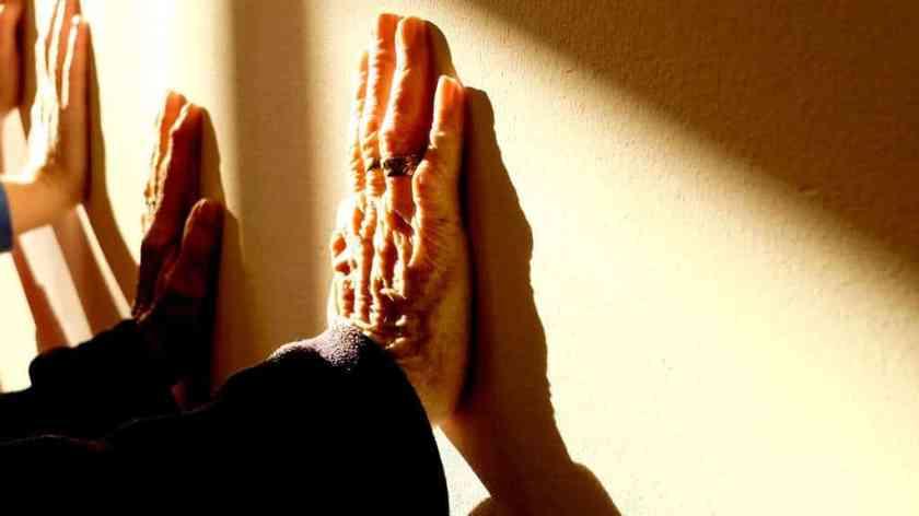 elderly fingers hands 233227_result