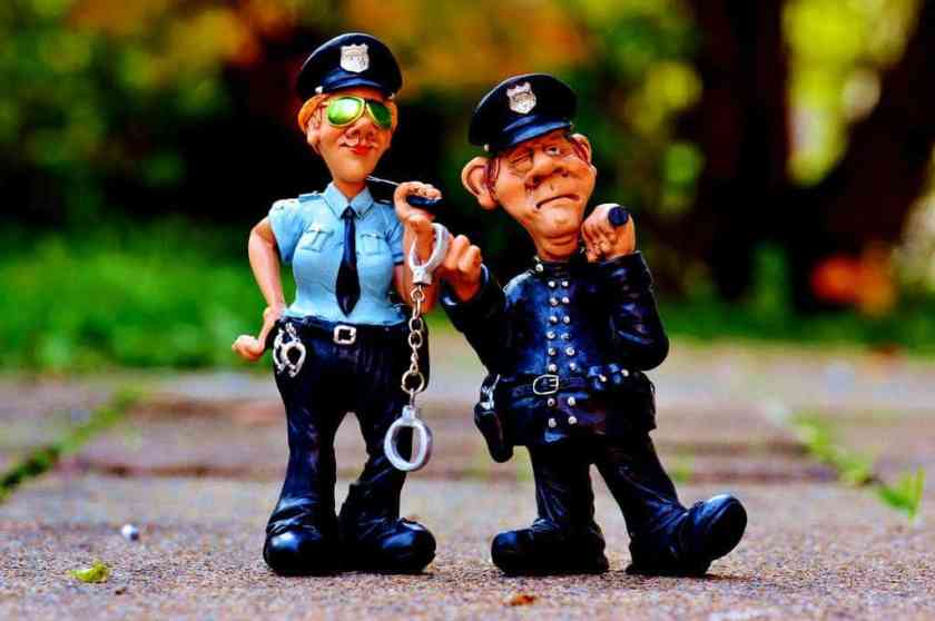 batons cops figurines 33598_result