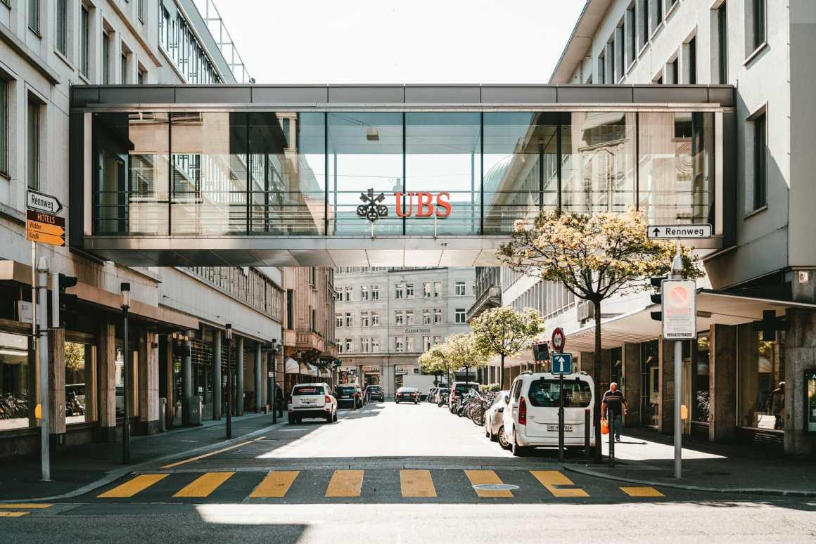 UBS Bank allows hybrid work model