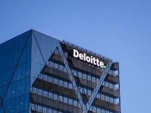 deloitte building where employees take remote work decisions