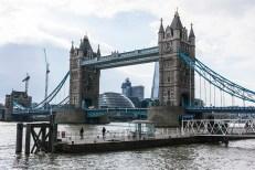 Walking on Thames 005