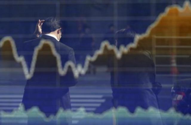 「期初の売り」警戒する日本株市場、円債も予断許さず