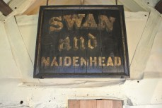 Shakespeare turned his birthplace home into a pub when he inherited from his father - The Swan and Maidenhead