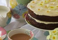 Gin Cake for Mother's Day - A Gin-ger Cake with Gin and Lemon Icing for a truly indulgent treat!
