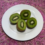 93 calories in 2 kiwis 1.7 grams of protein