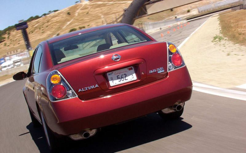 2000 & Late: 2002-2004 Nissan Altima