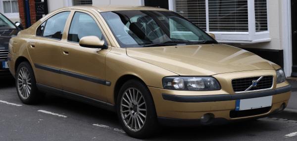 Volvo S60 front