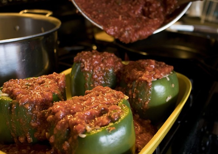 3CRWhatsCookingStuffedPeppers40