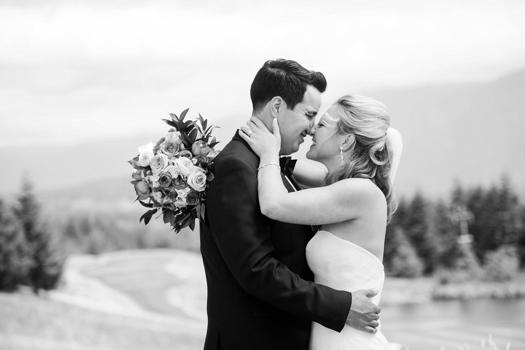 Christine & Josh Seattle Washington Snoqualmie Ridge Country Club Wedding_0023