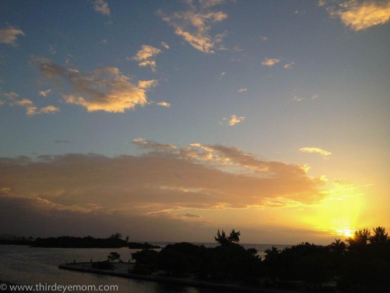 Sunset in Roatan, Honduras over Barefoot Cay