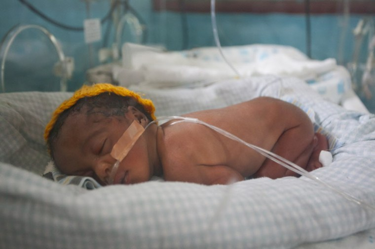 Nakintu Prossy's two-day-old preterm baby girl sleeps in an incubator in the Neonatal Intensive Care Unit (NICU) at Kiwoko Hospital on August 30, 2012 at thef acility in Kiwoko, Nakaseke district, Central Uganda. Photo credit: Save the Children.