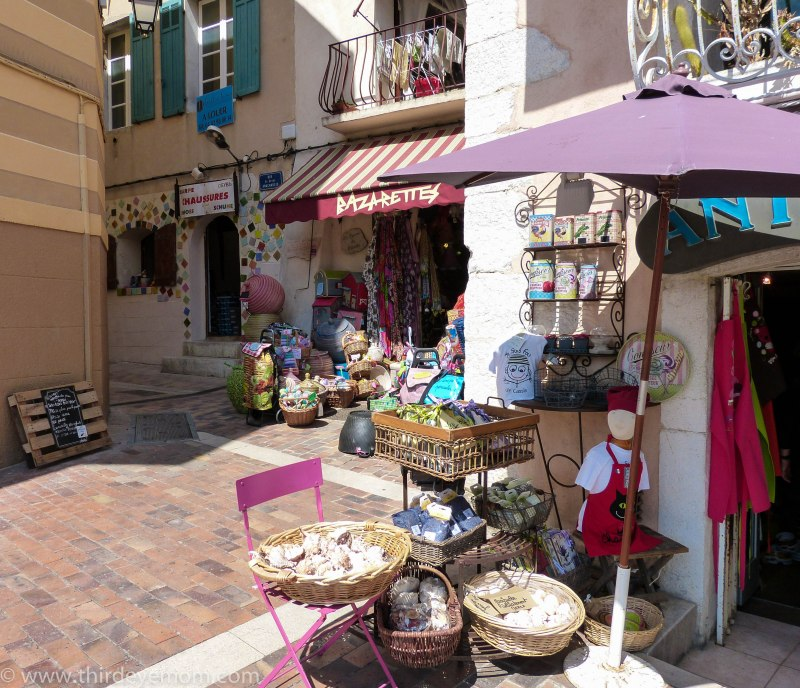 Shopping in Cassis