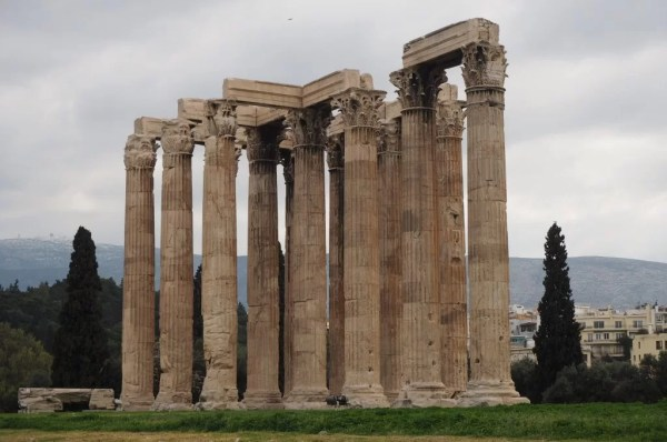 Column at the Temple of Olympian Zeus, Greece