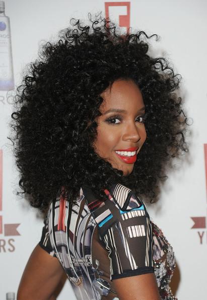 Kelly Rowland Big Curls Hairstyle