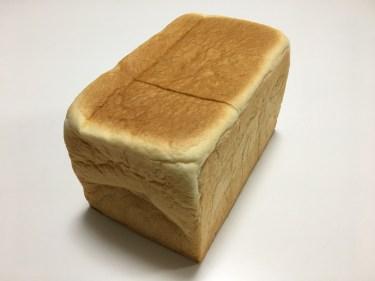 食パン1斤を丸ごとグラタンに!器も食べられる絶品パングラタン