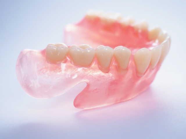 30代女性で総入れ歯