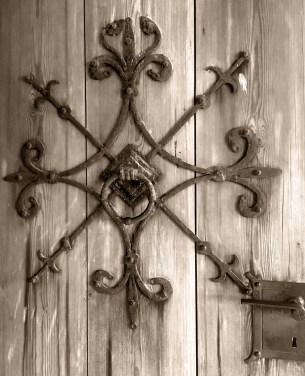 heddal-door_-sepia-sm