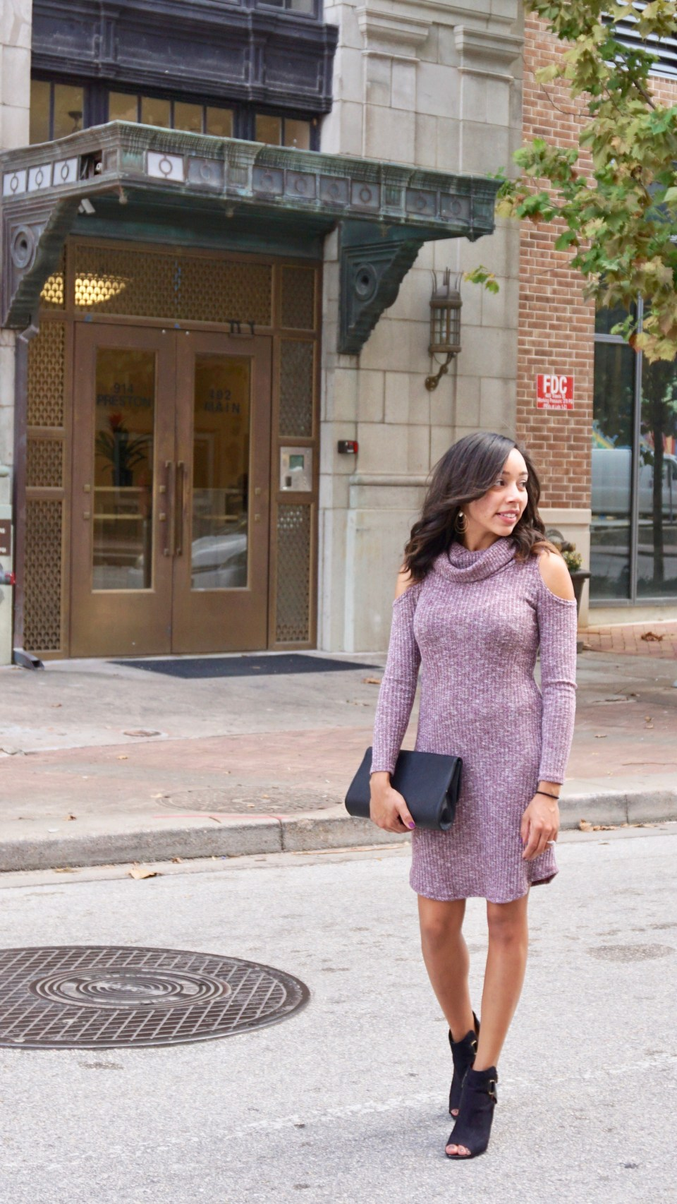 The Cold Shoulder Dress that is Perfect to Transition from Summer to Fall