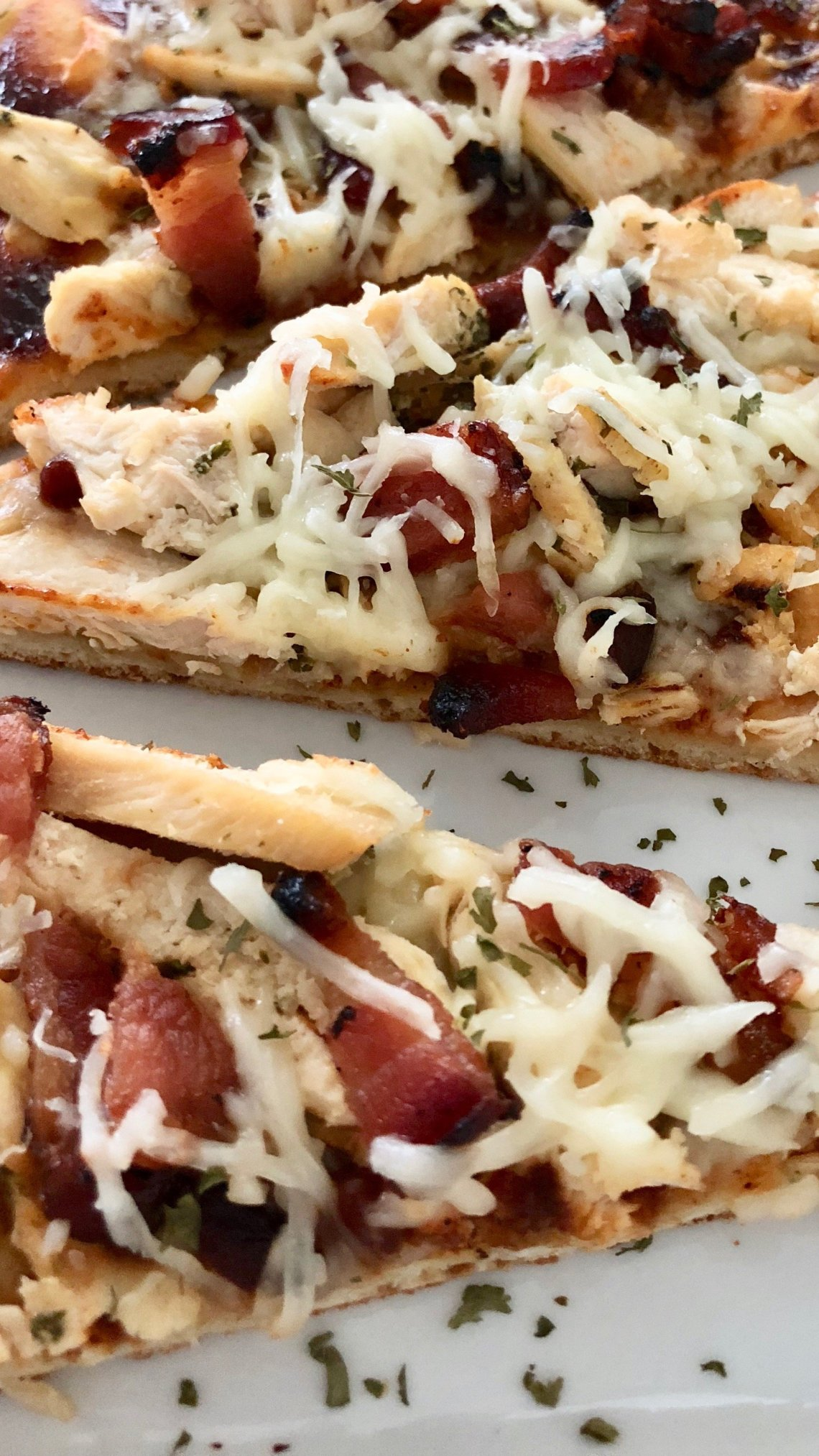 quick flat bread, flat bread recipe, flat bread pizza, flat bread ideas, bbq chicken flat bread, chicken and bacon flat bread , naam, easy flat bread recipe,