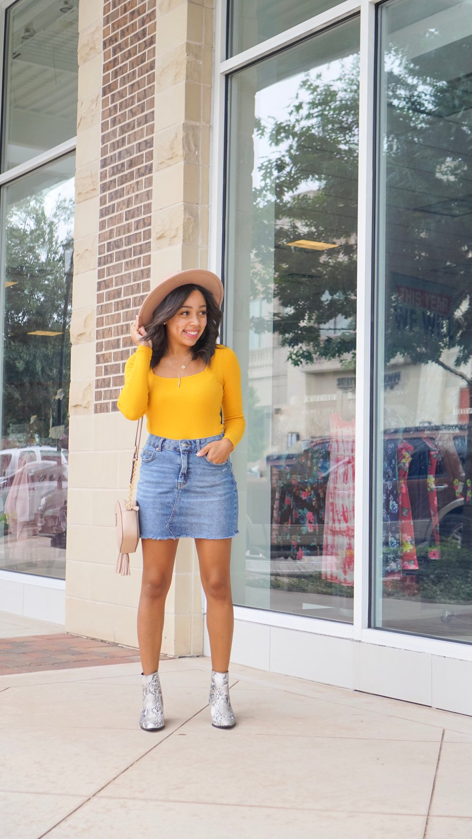 Trendy Thursday LinkUp + How to Style a Denim Skirt