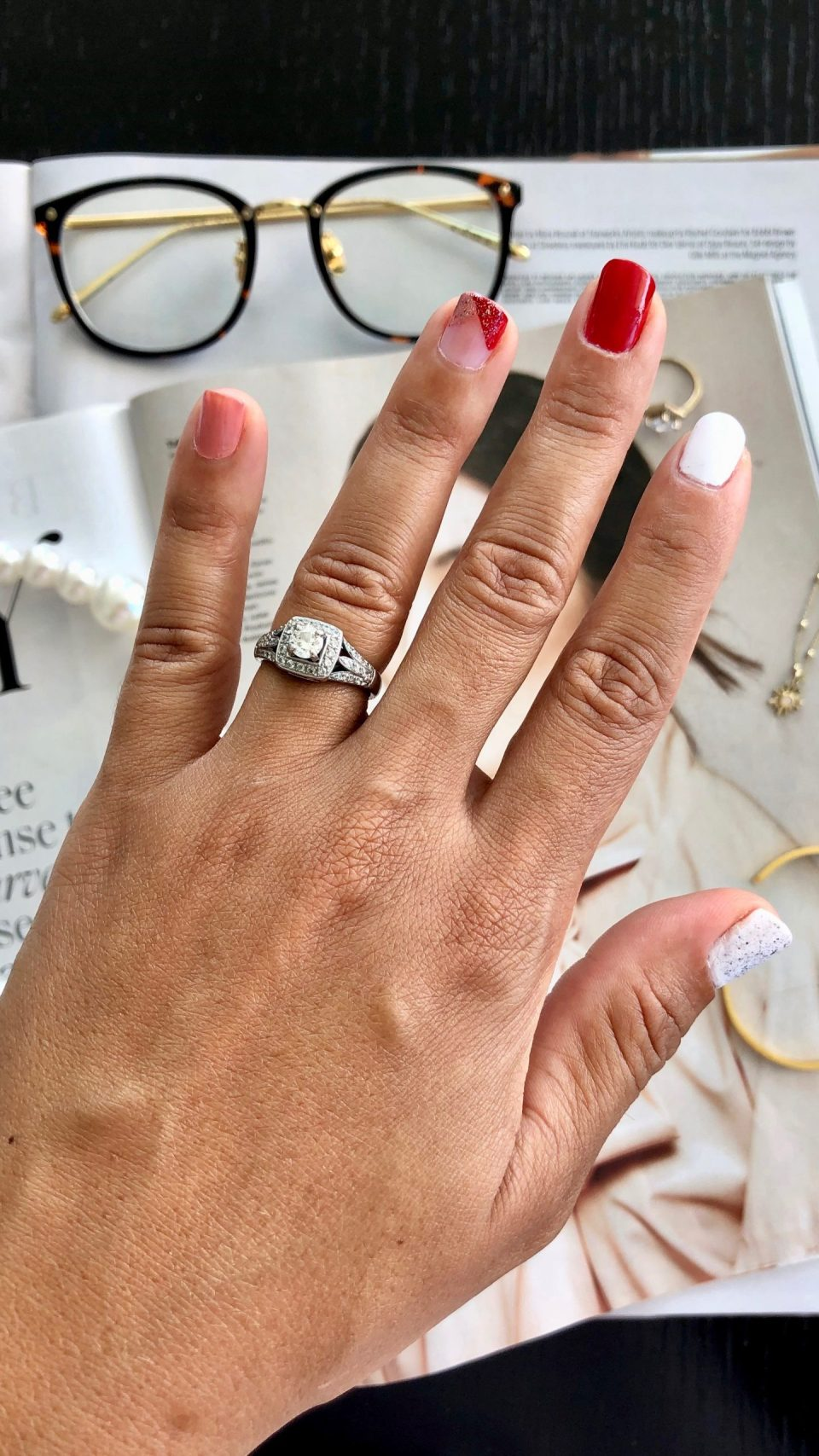 Trendy Thursday LinkUP + Two Easy Nail Designs to DIY