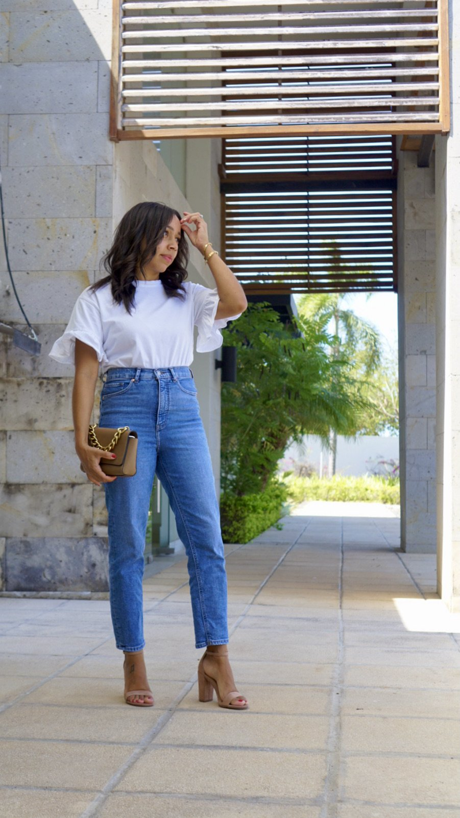 Versatile White T-shirt with Ruffle Sleeves