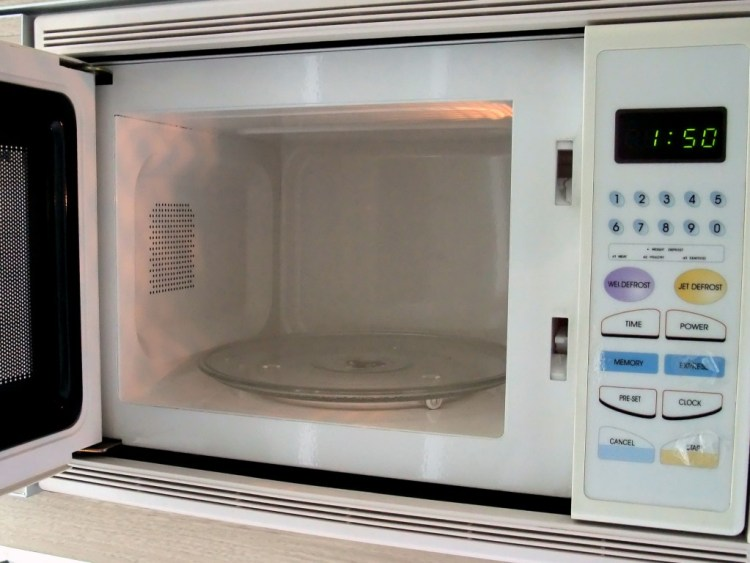 7 Surprising Things Your Microwave Does