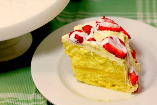 lemon cake with lemon filling