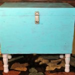 Vintage Storage Chest to Table DIY