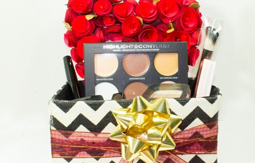 Beauty Gift Basket Idea for Makeup Lovers