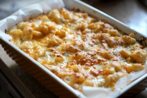 This African's Smoked Gouda Baked Mac N' Cheese