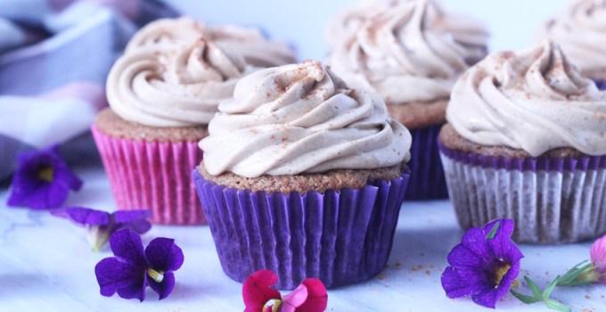 Paleo/Glutenfree Cardamom cupcakes with Swiss Meringue Buttercream