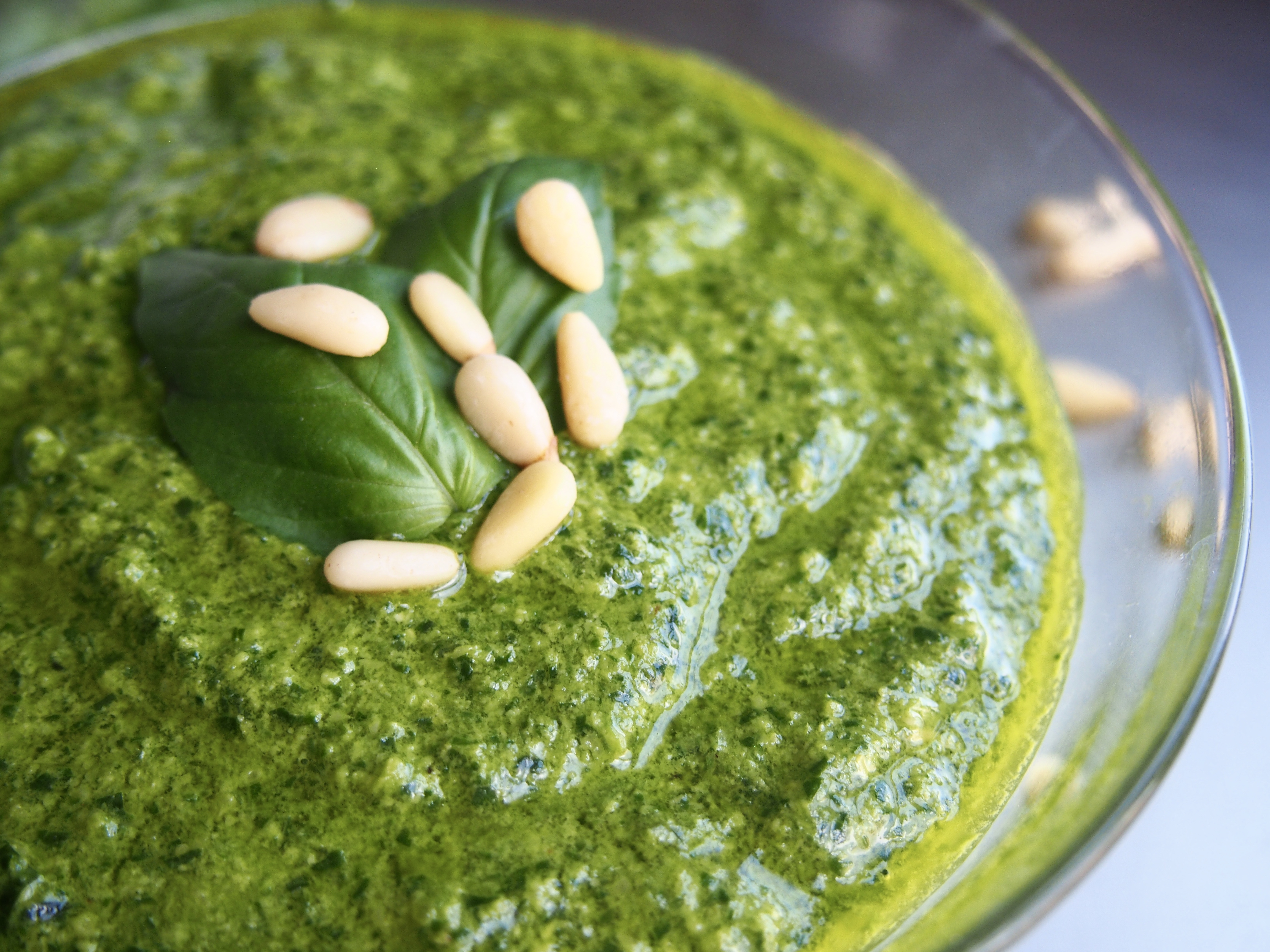 Vegan Spinach Basil Pesto