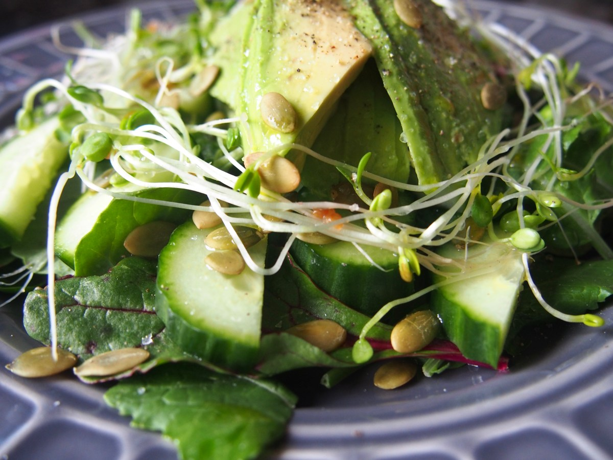 Clean green detoxing salad
