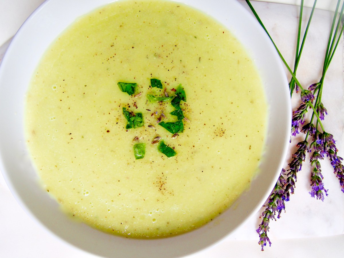 raw vegan creamy celery detox soup